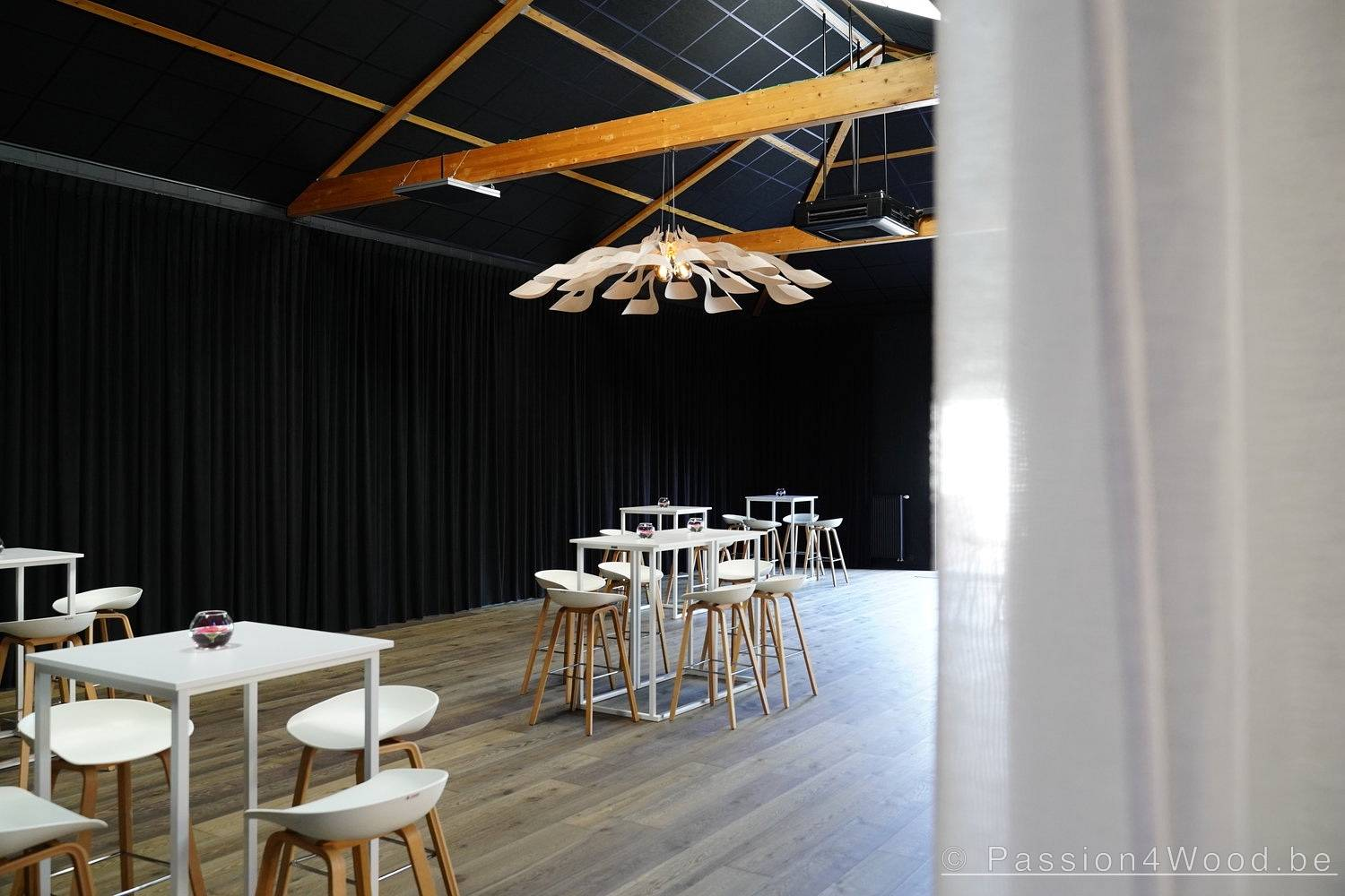 Ipaki XXL pendant lighting in walnut & birch wood